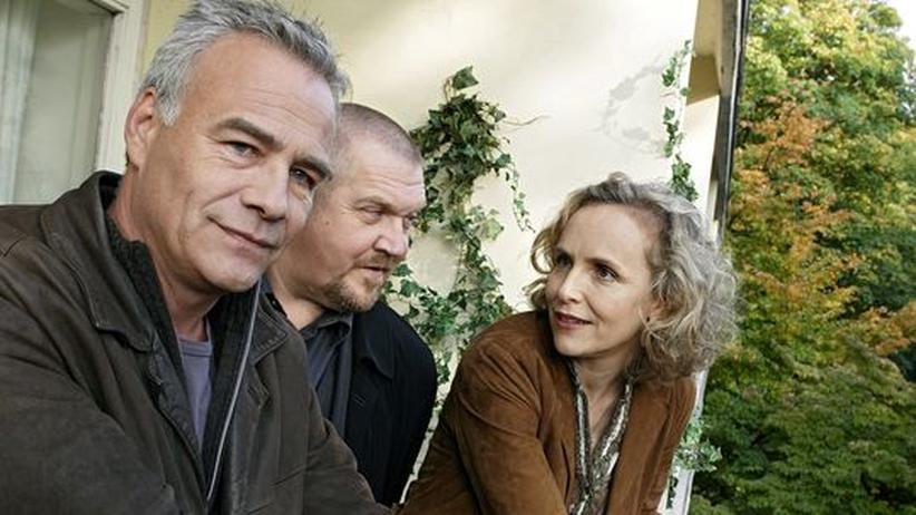 Tatort Fernsehen: Max (Klaus J. Behrendt) und Freddy (Dietmar Bär) mit ihrer Polizeipsychologin Lydia Rosenberg (Juliane Köhler, von links)