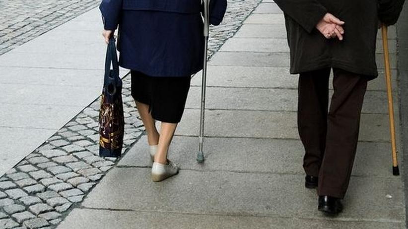 rentner mann frau alter senioren