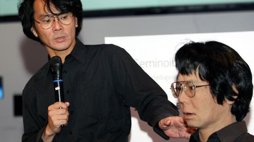 """Ars Electronica: Wer ist der Mensch? Hiroshi Ishiguro präsentiert seinen """"Gemininoiden"""" auf der Ars Electronica"""