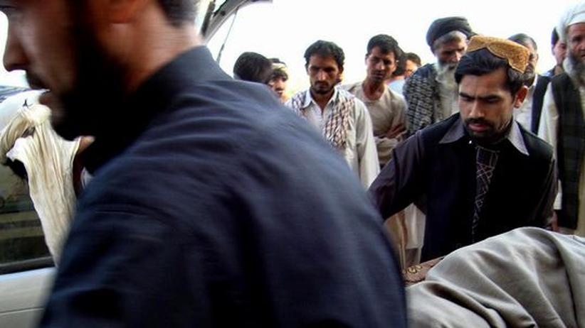Angriff in Afghanistan: Explosion in Kundus: Die Nato hat zwei Tanklastzüge bombardiert, mehr als 50 Menschen wurden getötet