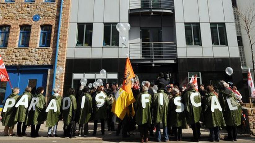 Steuerparadiese: Aktivisten protestieren im März auf der britischen Insel Jersey gegen Steuerparadiese