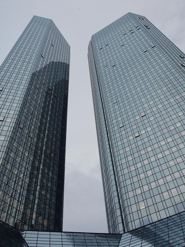 Deutsche Bank: Was soll ich da?
