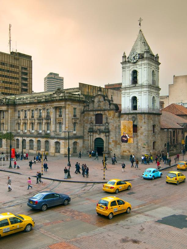 Binationales Studium: Colombia, Bogota, 16th century Iglesia de San Francisco, Bogota's Oldest Restored Church, Intersections of Avendia Jimenez and Carrera Septima