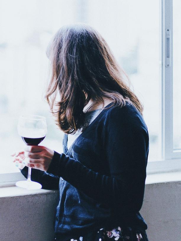 Alkohol: Die betrunkene Frau
