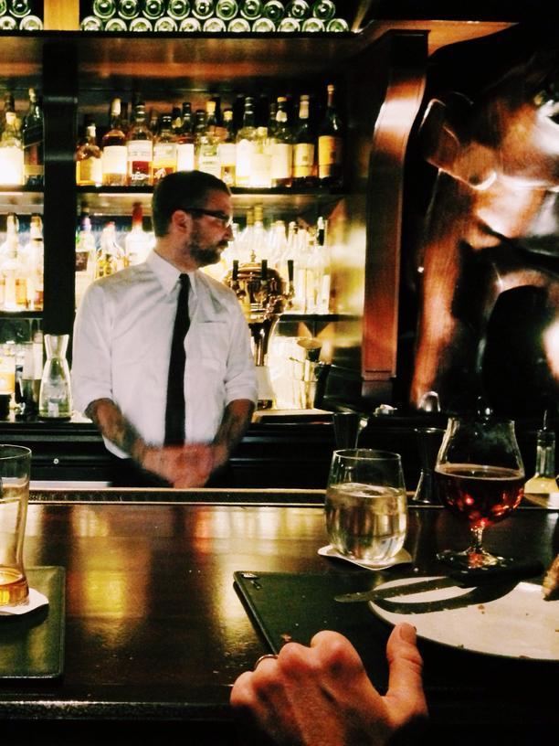 """Weinbarchef: """"Wenn andere frei haben, arbeite ich."""""""
