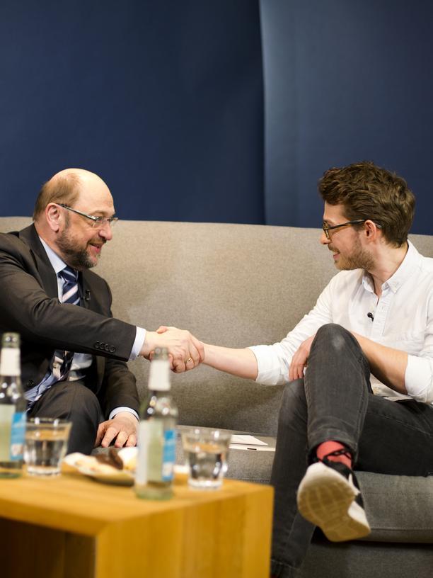 Martin Schulz: SPD-Kanzlerkandidat Martin Schulz und ZEIT-Campus-Online-Redaktuer Hannes Schrader zu Beginn des Interviews