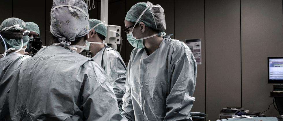 Medizinstudium: Einserschnitt? In diesen Ländern nicht nötig.