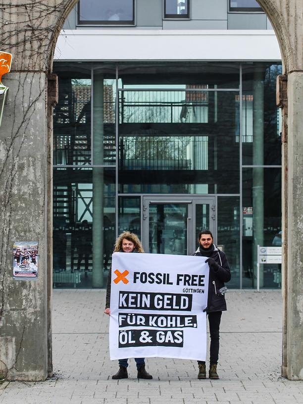 Klimaschutz an der Uni: Die Studenten fordern ihre Uni auf, nicht in Kohle, Öl und Gas zu investieren.