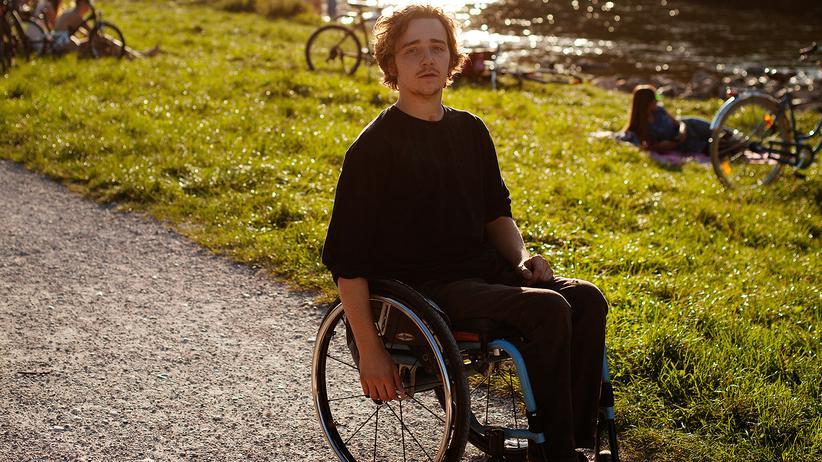 Querschnittslähmung: Seit einem Jahr wohnt Tisi in Darmstadt. In den Semesterferien kommt er zu Besuch nach München.