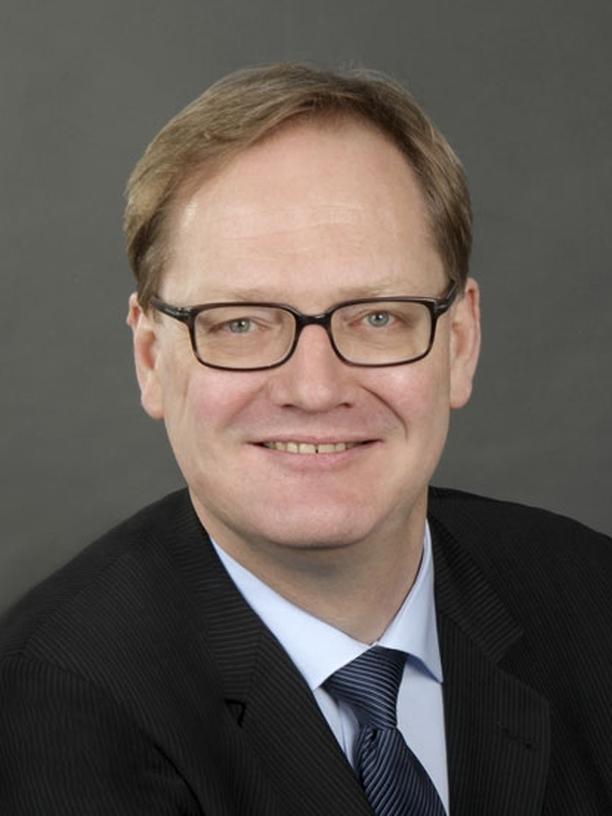 Doktorarbeiten: Stephan Rixen ist Sprecher des von der Deutschen Forschungsgemeinschaft (DFG) eingesetzten Gremiums Ombudsman für die Wissenschaft. Er lehrt Verfassungsrecht an der Universität Bayreuth.