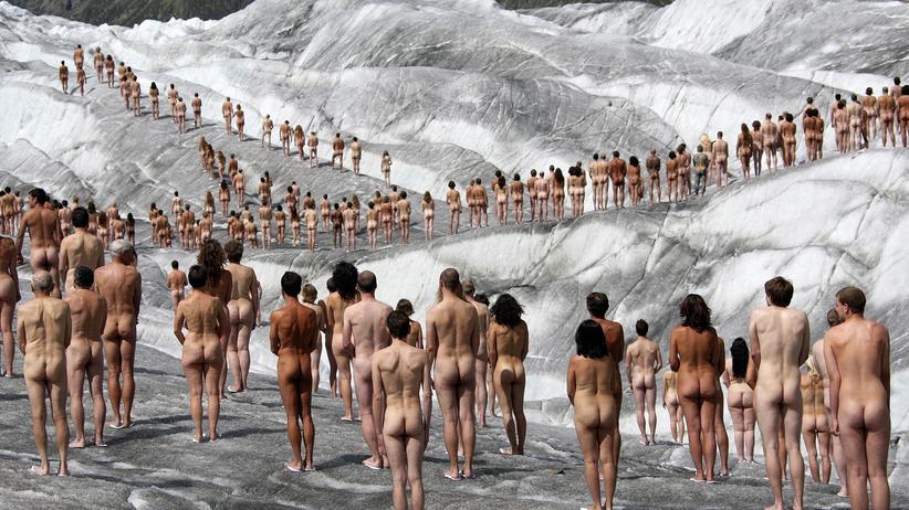 Spencer Tunick und die Nackten vom Aletsch