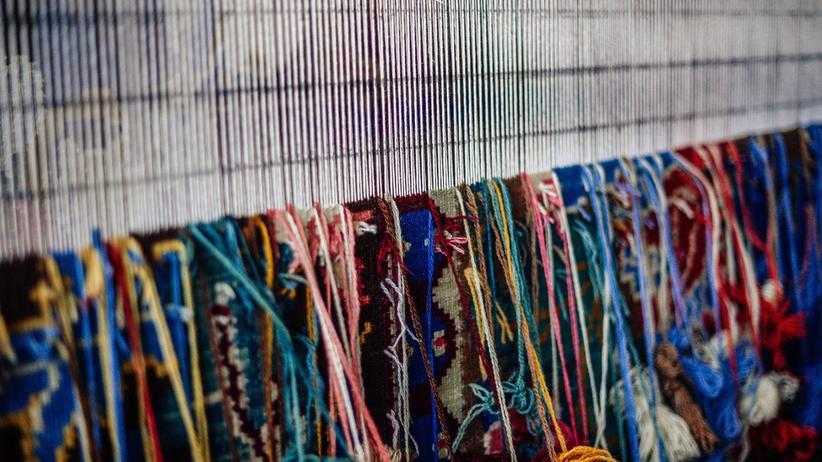 Teppich auf einem Webstuhl
