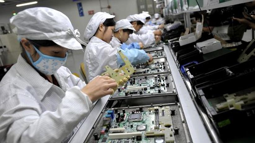 Rohstoffe: Arbeiterinnen in einer chinesischen Fabrik (Archiv)