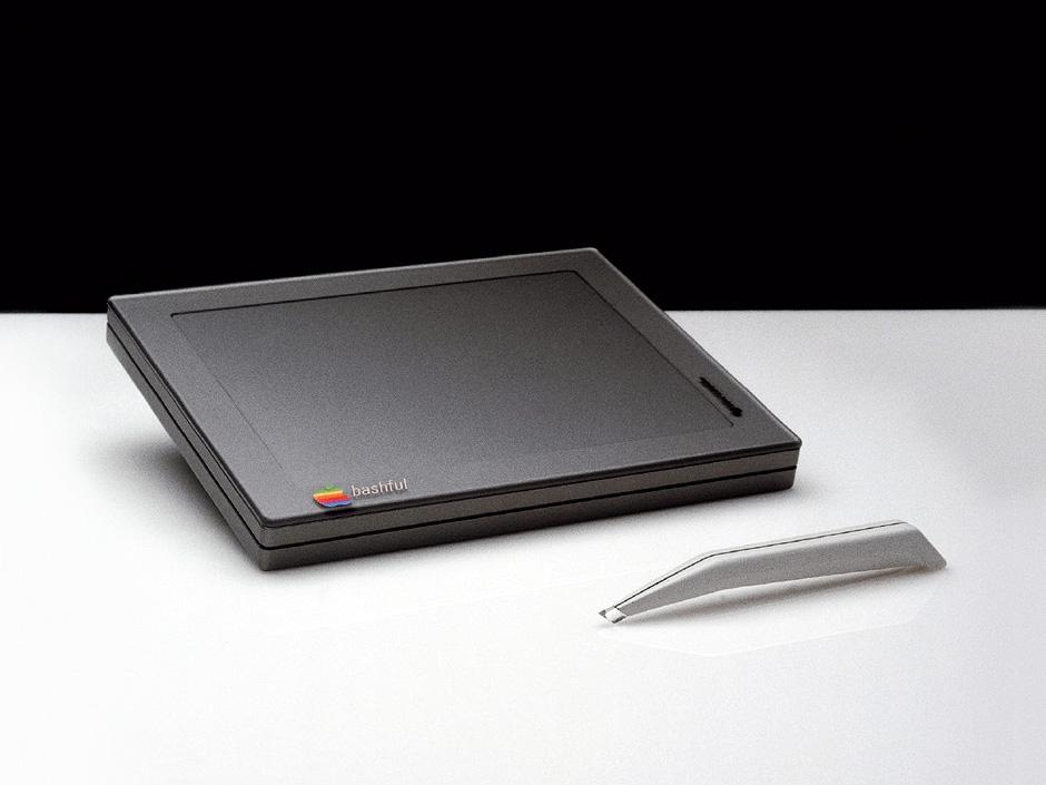 Diesen Tablet-Computer erdachte Designer Esslinger 1982 – also 28 Jahre vor dem Verkauf des ersten iPads.