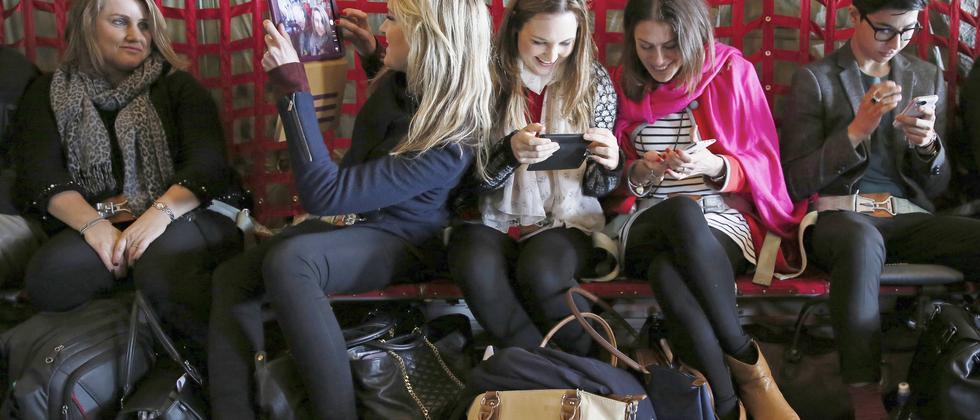 Machen uns soziale Netzwerke glücklich?