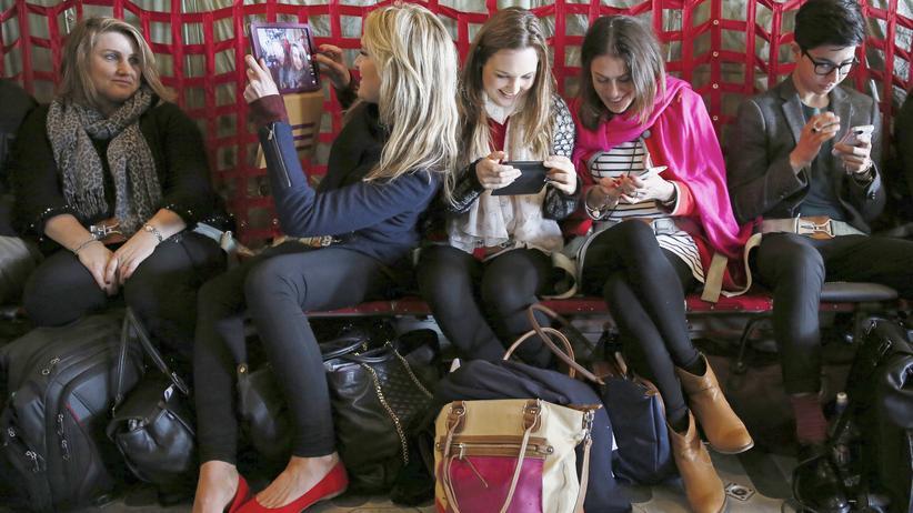 Digital, Social Media, Social Media, Medien, Facebook, Jugendliche, Smartphone, Technik, Snapchat