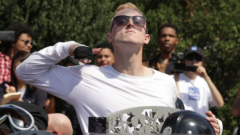 """Daily Stormer"": Rechtsextremer Demonstrant in Charlottesville, Virginia."