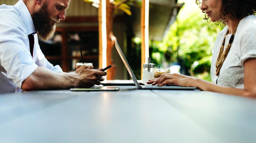Internetnutzung: Die mobile Internetnutzung wird immer wichtiger.