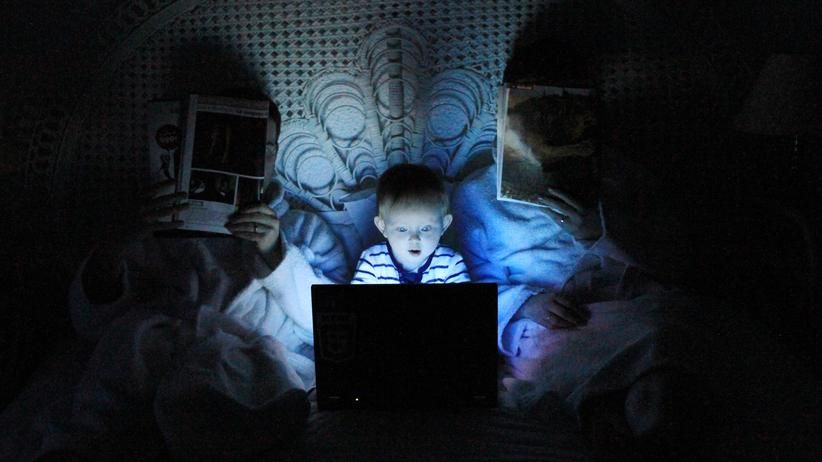 Jugendmedienschutzindex: Allein im Netz: Eltern machen sich Sorgen um ihre Kinder.