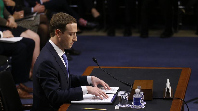 Facebook: Facebook-Chef Mark Zuckerberg vor dem US-Kongress in Washington, USA