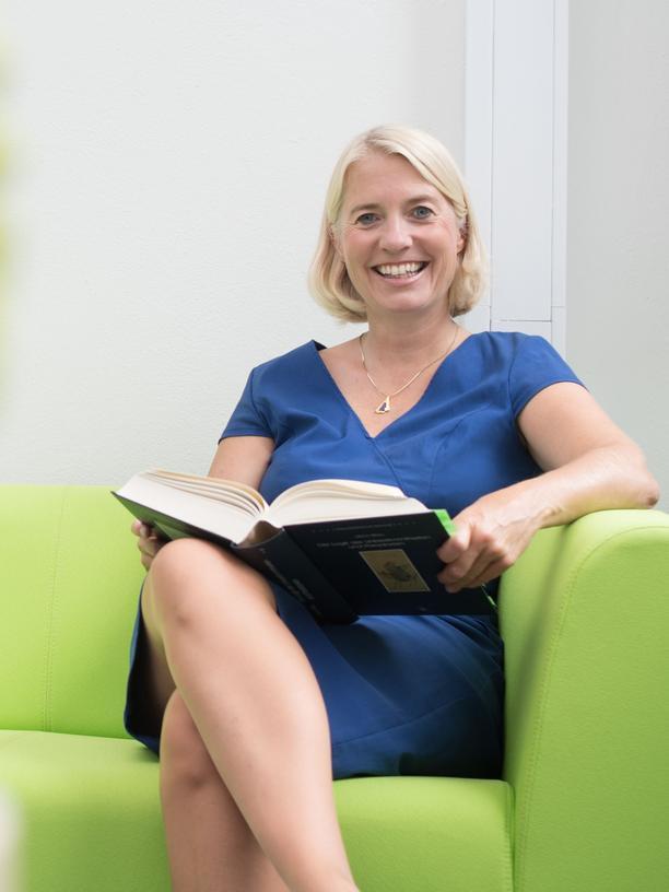 Künstliche Intelligenz: Catrin Misselhorn ist neben ihrer Lehrtätigkeit an der Universität Stuttgart zudem Direktorin des dortigen Instituts für Philosophie.
