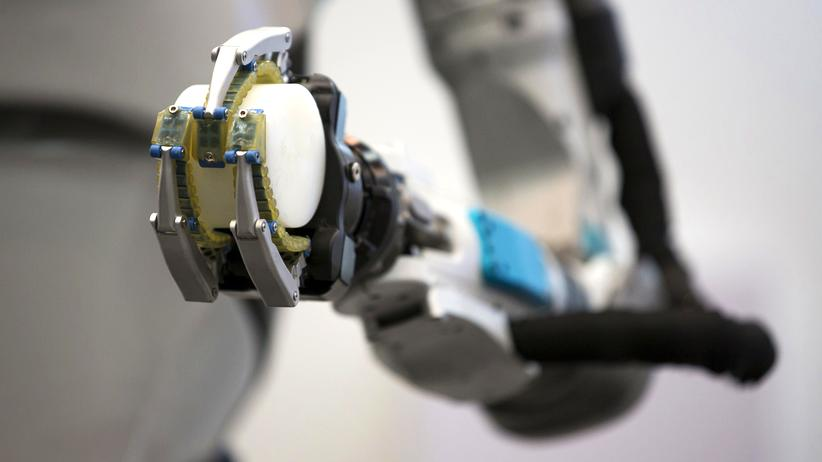 Künstliche Intelligenz: Der humanoide Roboter Atlas kann zugreifen, joggen, springen – fast wie ein Mensch. Aber weiß er, was er tut? Und wenn nicht: Ist das gut oder schlecht?