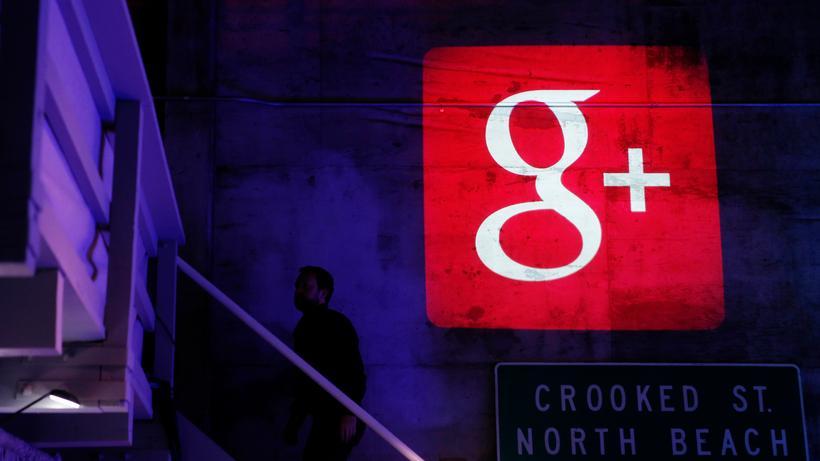 Soziale Netzwerke: Ein Googleplus-Logo ist während einer Veranstaltung in San Francisco, Kalifornien, an eine Wand projiziert.