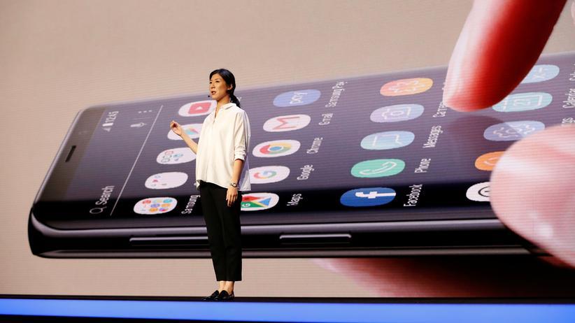 Infinity Flex Display: Samsung stellt Smartphone mit faltbarem Display vor