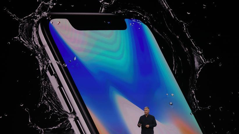 Patentstreit: Apples Vizemarketingchef Phil Schiller stellte im September 2017 das iPhone X vor.