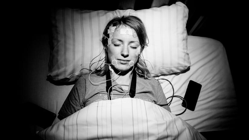 Schlaftracker: Unsere Autorin in einem Berliner Schlaflabor