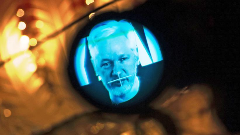 Pressefreiheit: Assange festnehmen, andere einschüchtern