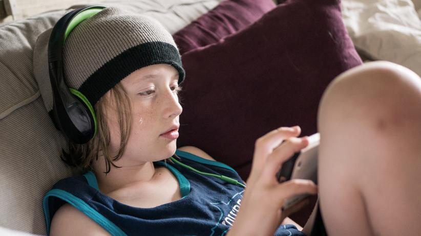 Mediennutzung: Drei von vier Zehnjährigen haben ein eigenes Smartphone