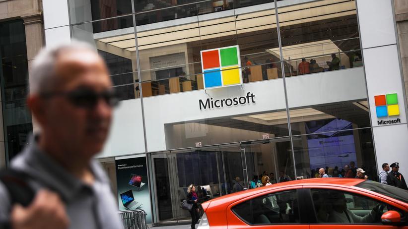 """US-Wahl: Die aus dem Iran operierende Gruppe """"Phosphorous"""" habe innerhalb eines Monats rund 2.700 Accounts von Microsoft-Kunden identifiziert und 241 davon angegriffen, erklärte das Unternehmen."""