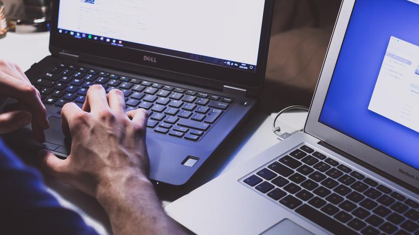 Elektroschrott: Reparaturen von alten oder kaputten Laptops sind oft mühselig und zu teuer.