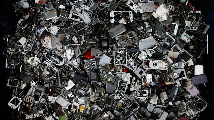 Nachhaltigkeit: EU-Parlamentarier fordern einheitliche Ladegeräte