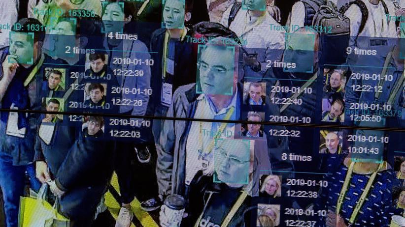 Algorithmen: Die Bilddateien, mit denen die Systeme trainiert werden, enthalten überwiegend weiße Gesichter.