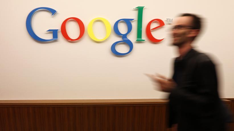 Privatsphäre: BERLIN, GERMANY - AUGUST 21: The Google logo is seen at the company's offices on August 21, 2014 in Berlin