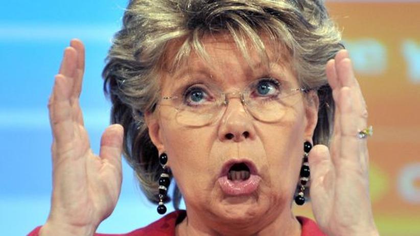 EU-Kommissarin Viviane Reding, zuständig für den Datenschutz, begrüßte das Urteil und sagte, Deutschland müsse daraus nun Konsequenzen ziehen