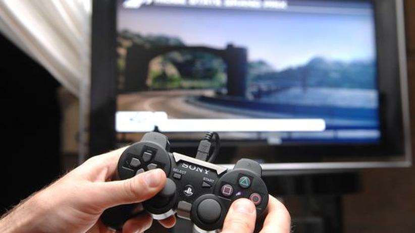 Hackerangriffe: Unscheinbare Alltagsgeräte, wie etwa diese Spielekonsole von Sony, können gehackt werden.