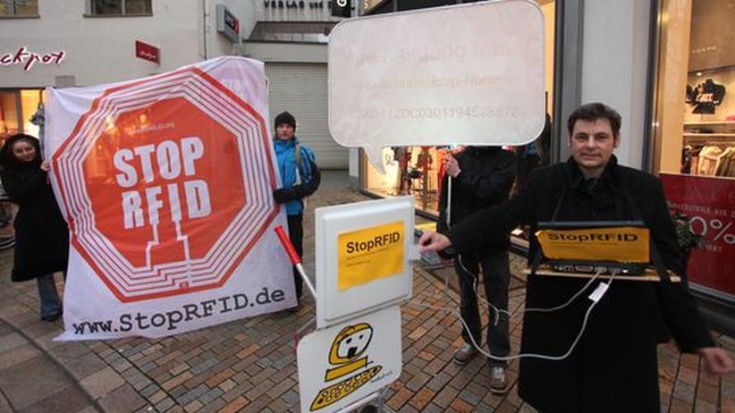 Funketiketten: Datenschützer lesen RFID-Chips in Kleidung aus