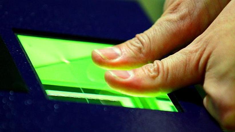 Biometrie: Darf die EU Fingerabdrücke fordern?