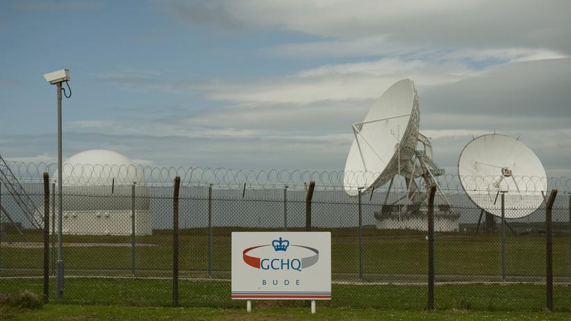 Satellitenschüsseln am GCHQ-Posten Bude, Südengland