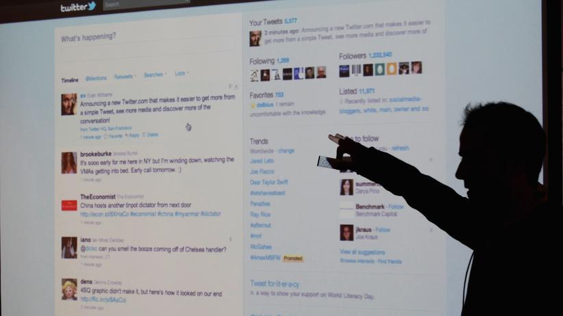 Überwachung: Die Polizei lernt Twitter lieben