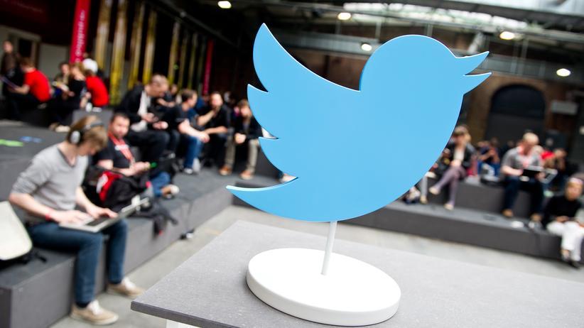 Online-Überwachung: Twitter-Aufsteller auf der re:publica 14 in Berlin