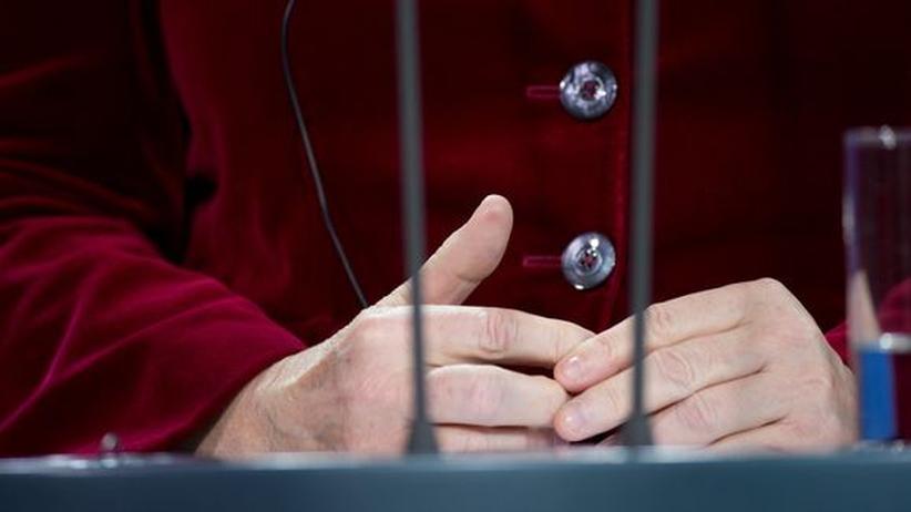 Die Hände der Bundeskanzlerin sind schwer zu fotografieren, dieses Bild hier genügte nicht für einen Fingerabdruck.