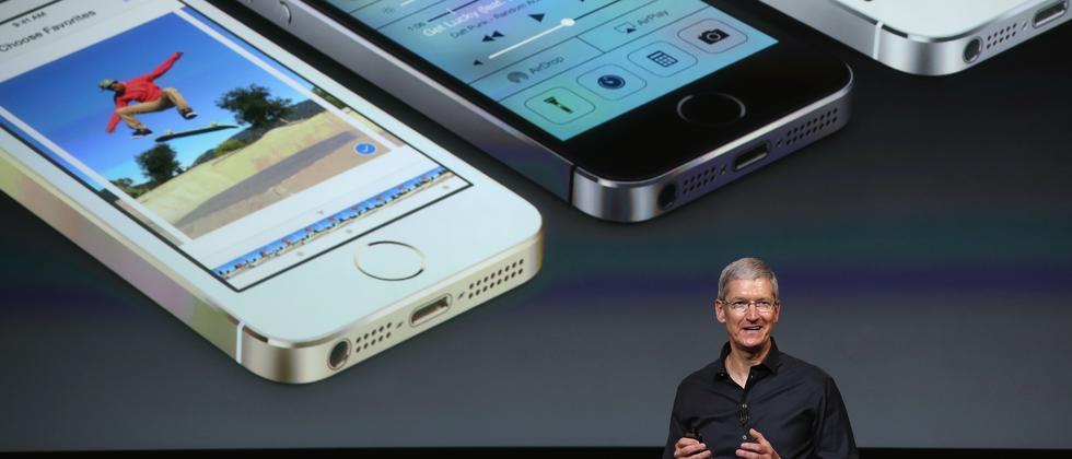 Apple-Chef Tim Cook bei der Vorstellung der iPhone-Modelle 5C und 5S im September 2013