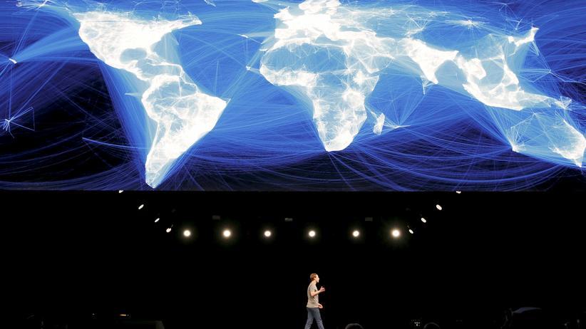 Überwachung: Muss Facebook-CEO Mark Zuckerberg irgendwann einige dieser Datenverbindungen kappen?