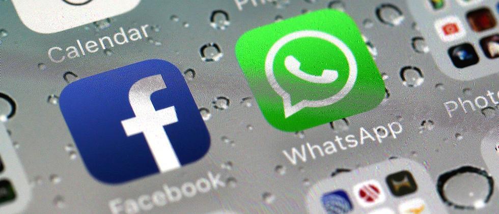 WhatsApp Facebook Apps Screen