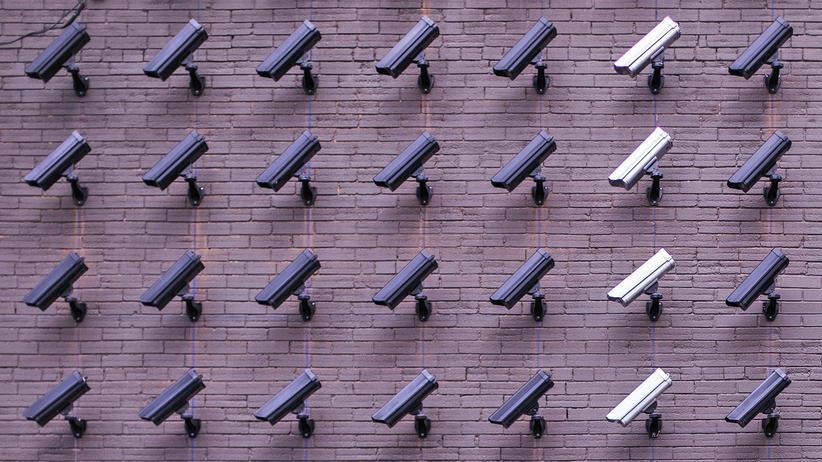 Videoüberwachung:Überwachungskameras wie diese haben beängstigende Effekte.
