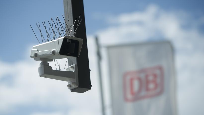 Gesichtserkennung: Überwachungskamera am Berliner Südkreuz
